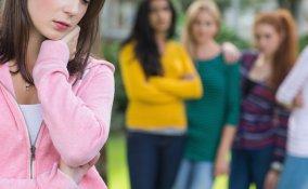 bullismo, bullo, vittima, figlio, figli, bambino, consigli, rimedi, segnali, mamme, mamma, donne, donna