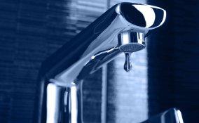 Come riparare un rubinetto che perde acqua