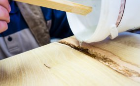 mobili scheggiati, scheggiatura legno, legno, come riparare, come stuccare