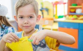 attività decoupage bambini, tempo libero bambini