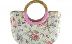 decorare borsa paglia, borsa di paglia decoupage