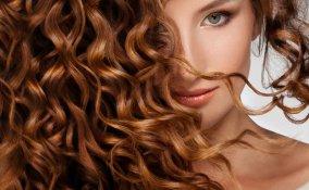 capelli mossi, capelli ricci, acconciature