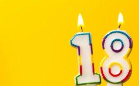 apparecchiare tavola 18 anni, decorazioni festa 18 anni