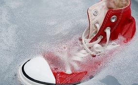 come lavare scarpe tela, come pulire scarpe tela
