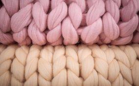copertina neonato senza ferri, arm knitting, lavori maglia bambini