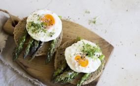 asparagi, uova, patate