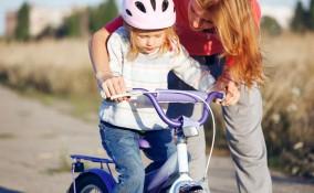 insegnare bimbi andare bici