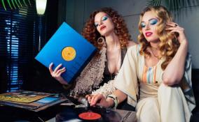 trucco, anni 70, musica disco