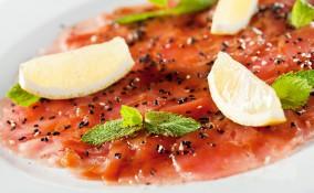 carpaccio, tonno affumicato, marinata agrumi