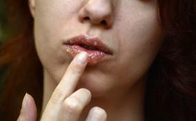 scrub labbra fai da te zucchero olio, scrub labbra fai da te, scrub labbra ricetta