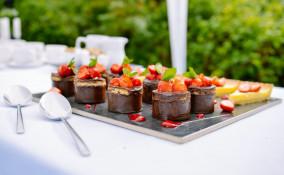 apparecchiare la tavola, buffet, come sistemare piatti