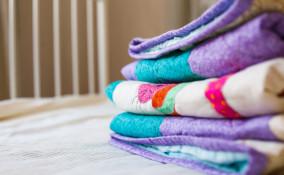 come piegare coperta cuscino, piegare coperta