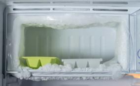 sbrinare il freezer, scongelare, pulire