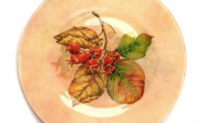 decorazioni autunno fai da te, piatto decoupage, decorazioni autunno decoupage