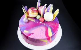 torta decorata glassa specchio, torta glassa a specchio