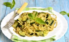 spaghetti, provolone del Monaco, ricetta alla Nerano