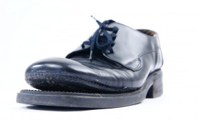 come incollare suola scarpe, come aggiustare suola scarpe