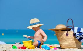 indispensabili spiaggia bambini