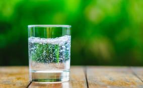 acqua gassata bambini