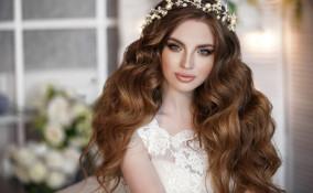 acconciature, sposa, trend estate 2021