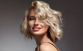 tagli di capelli, estate 2021, medi e corti