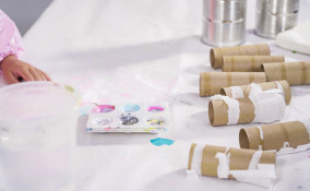 pittura rotoli carta igienica