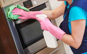 come pulire il forno in 5 minuti