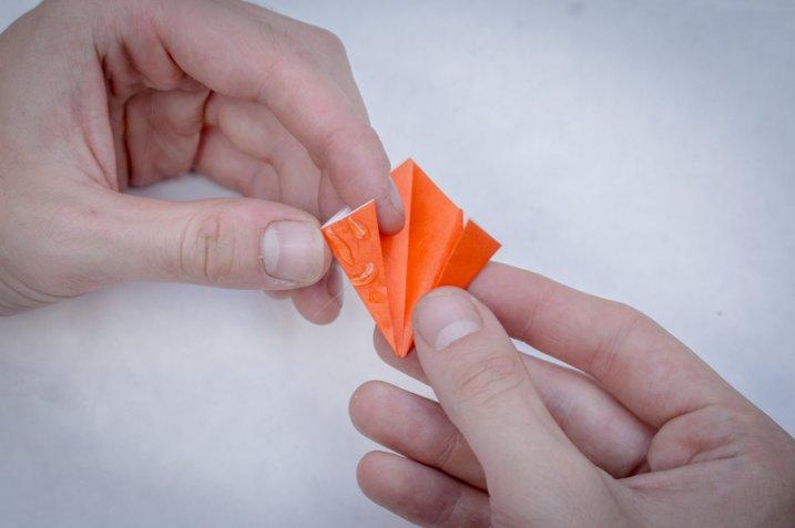 Fiori di carta origami semplici: ecco come farli
