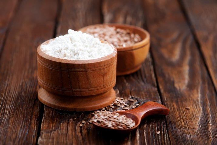 Come usare la farina di semi di lino come addensante