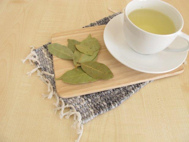 La ricetta della tisana all'alloro contro l'indigestione