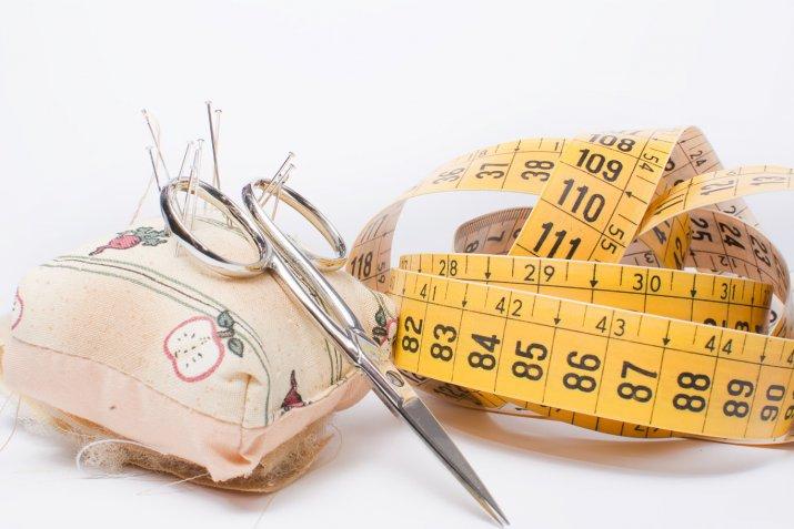 Cucito per principianti, i 7 strumenti utili per cominciare a lavorare