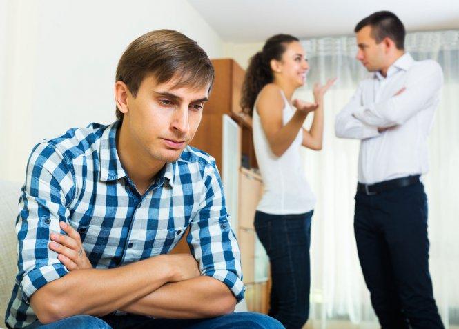 Fidanzato geloso dei nostri amici: ecco come gestire la situazione
