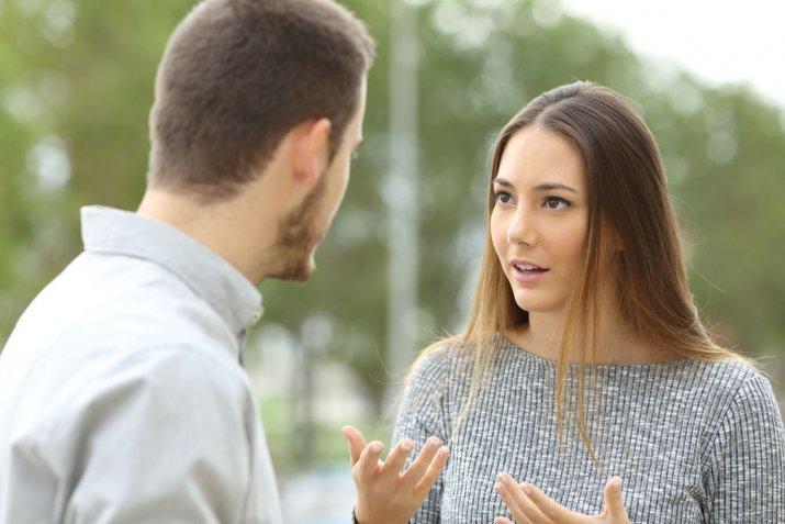 Come comportarsi con un fidanzato mammone
