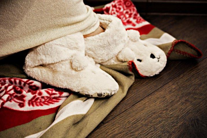 Come lavare le ciabatte invernali per non rovinarle