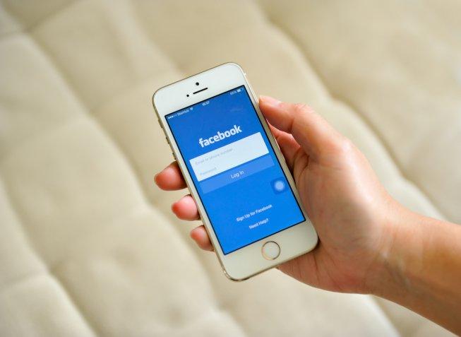 Social network ed ex fidanzati, è giusto cancellarli quando la storia finisce?