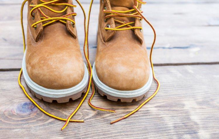 Scarpe scamosciate: come pulire le Timberland in modo efficace