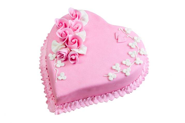 Cake design di San Valentino: come fare una rosa in pasta di zucchero