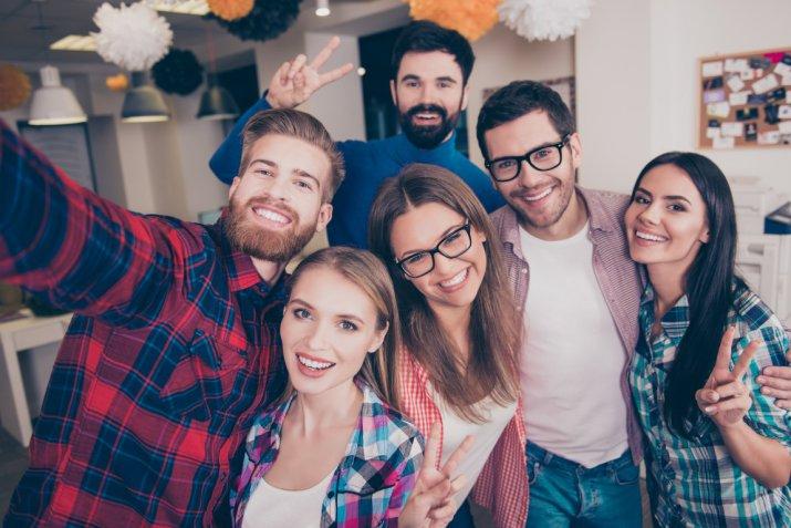 Come riallacciare un'amicizia in 5 modi efficaci
