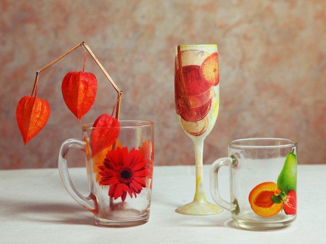 Decoupage sottovetro: qual è la tecnica per decorare gli oggetti di vetro o plexiglass