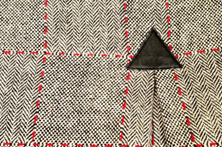 Come rinforzare lo spacco della gonna con il triangolo per evitare sorprese