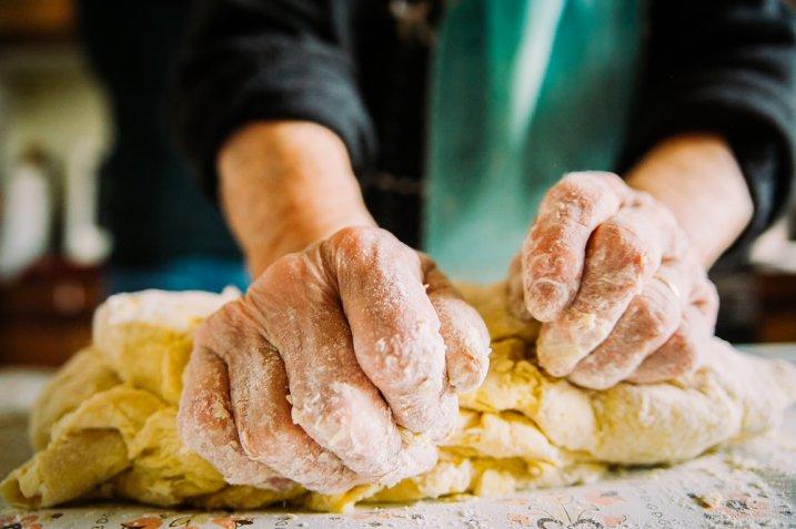 """Dolci pasquali regionali, la ricetta tradizionale delle """"cuzzupe"""" calabresi"""