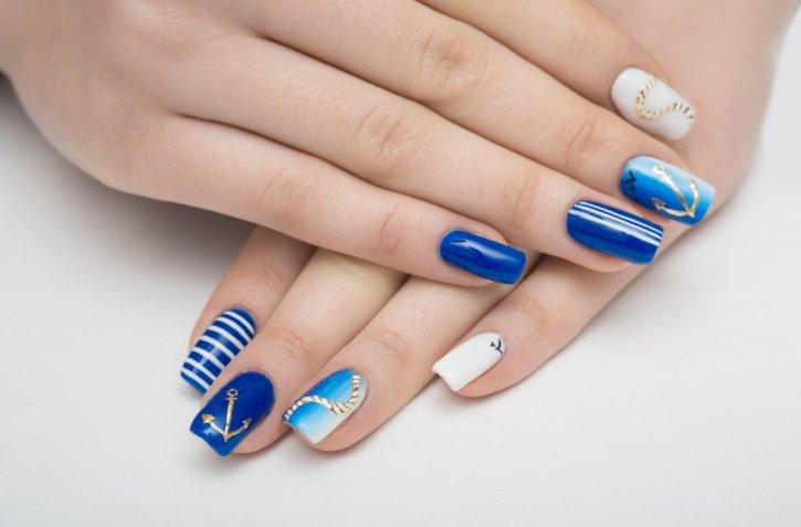 Nail art primavera estate 2017: colori e temi di tendenza per fare belle le unghie