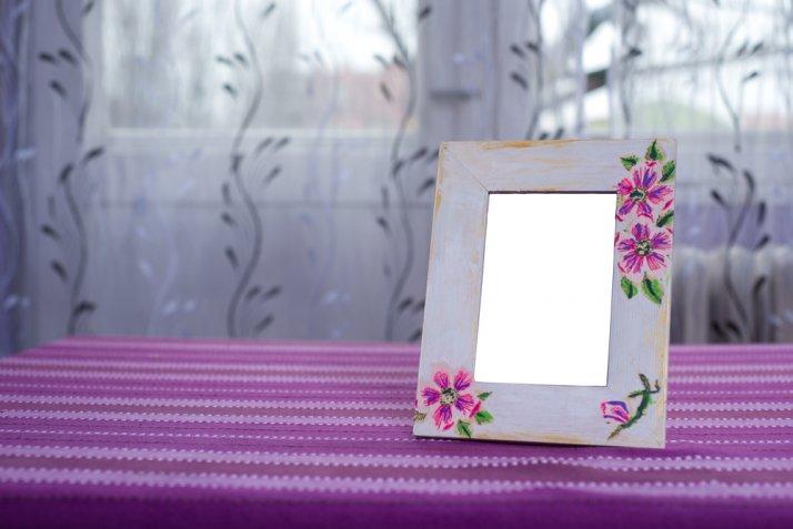 Lavoretti per la festa della mamma: la cornice fai da te decorata col decoupage