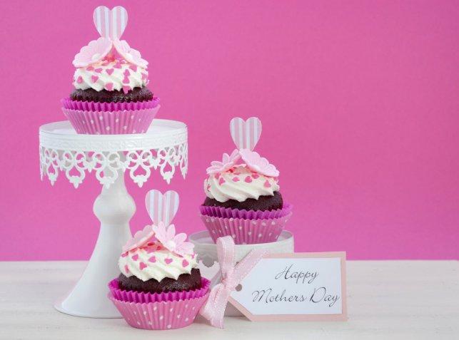 Festa della mamma, le decorazioni fai da te più belle per la tavola