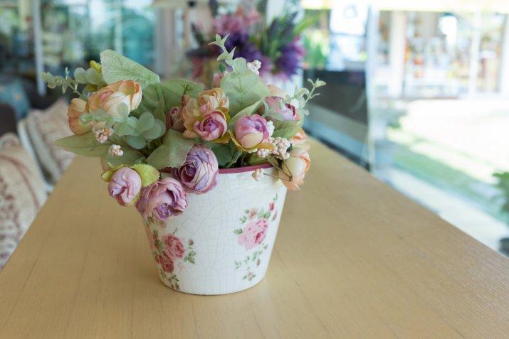 Come rinnovare i vasi di terracotta con il decoupage: 7 idee spettacolari da copiare