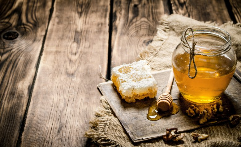 I 15 usi del miele per la bellezza fai da te