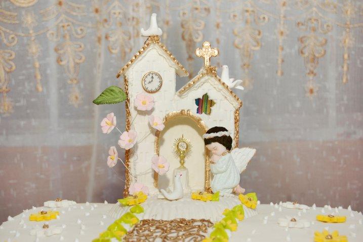 Le 5 torte per la Prima Comunione decorate con la pasta di zucchero