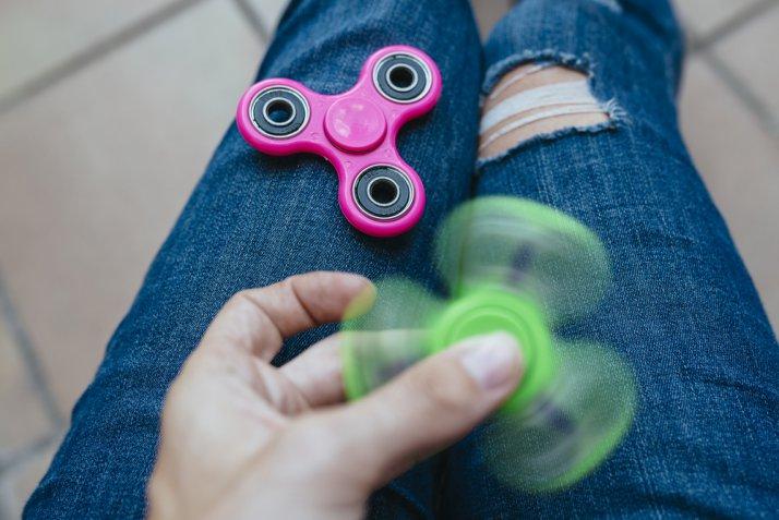 Oggetti antistress, fidget spinner e altri 6 gadget per rilassarsi