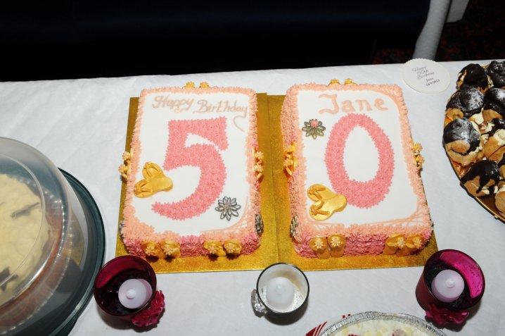 Torte di compleanno per i 50 anni, 5 decorazioni in pasta di zucchero da  fare subito