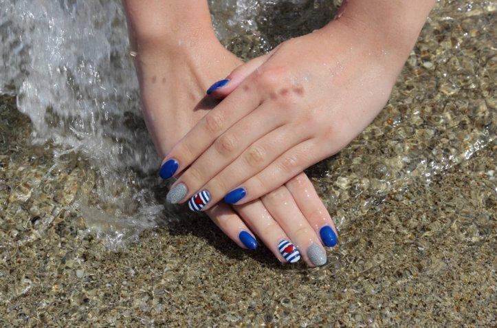 Nail art estate 2017: 7 decorazioni unghie bellissime ispirate al mare